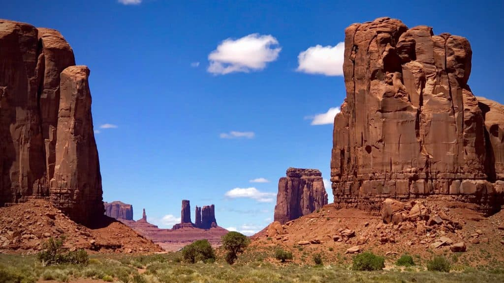 Early Afternoon. Monument Valley, photography by Tim Bateman